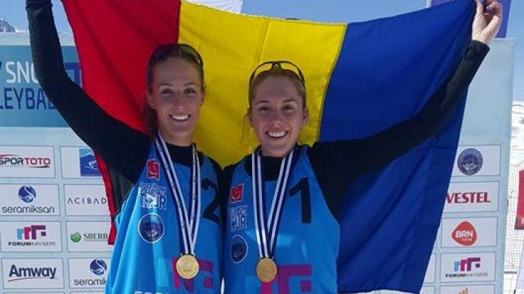 Volei pe zăpadă   Adriana Matei și Beata Vaida au câștigat prima etapă a CEV Snow Volleyball European Tour