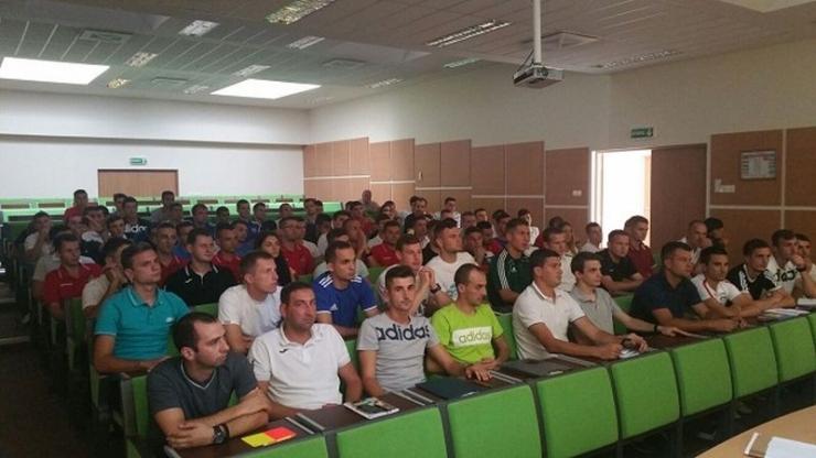 Arbitrii sătmăreni, prezenți la cursurile de instruire a arbitrilor din Liga 3 de la Cluj Napoca
