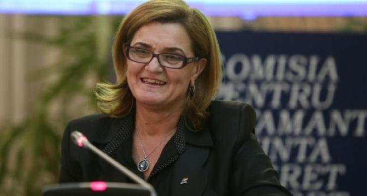 Inițiativă | Ministrul Lipă susține înființarea unui Centru de Excelenţă pentru Tineret la Satu Mare