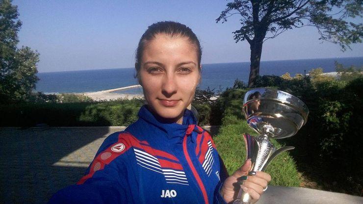 Spadă   Sătmăreanca Greta Vereș (CSA Steaua) a câștigat Cupa României