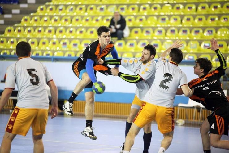 Handbal. Meci amical: Academia de Handbal Minaur 33 - 29 CSM Satu Mare