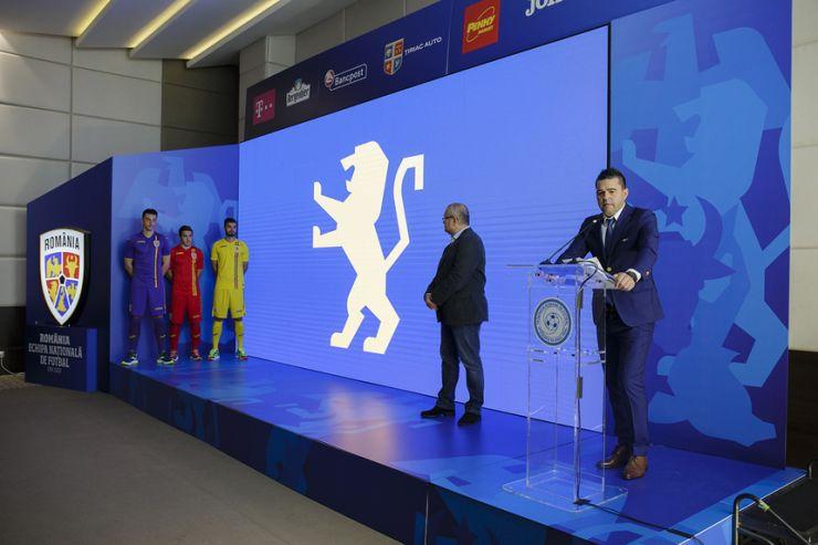 Identitate vizuală și echipament nou pentru echipa națională