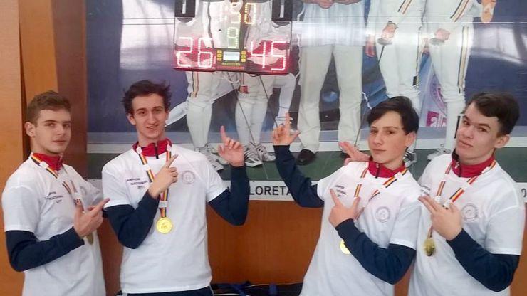 CS Satu Mare a câștigat Campionatul Național de spadă cadeți în proba masculină pe echipe