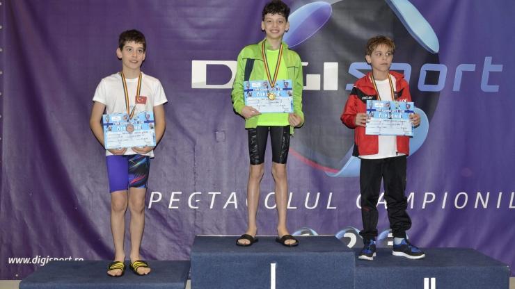 Performanță | Tudor Pop, triplu campion național regional la înot