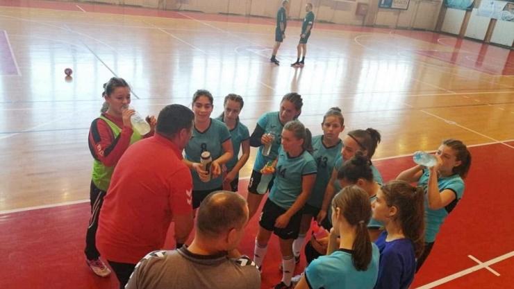 Handbal | Fetele de la Atletik Satu Mare, locul 1 la junioare III