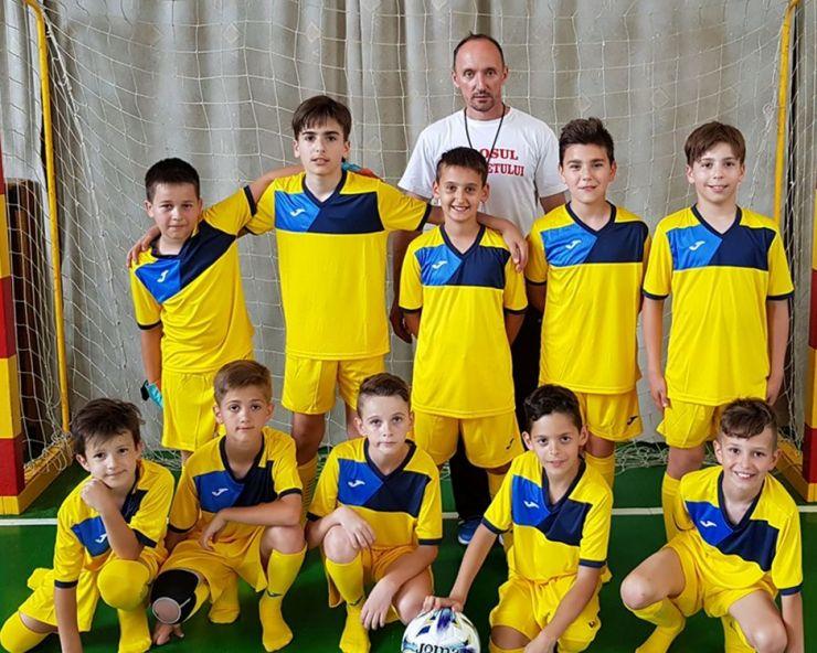Elevii Școlii Gimnaziale Lucian Blaga, premiați de Voluntarii Olimpiști