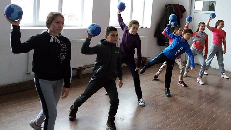 "Campania ""Mingi în Școli"" ajunge și la Satu Mare"