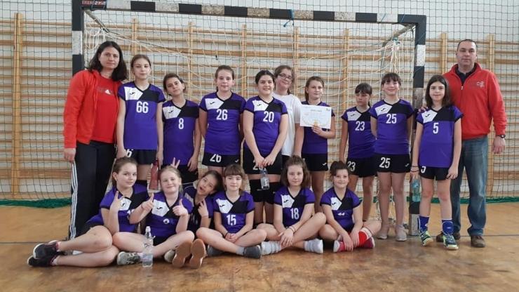 Handbal | Micuțele de la Atletik Satu Mare, campioane la minihandbal